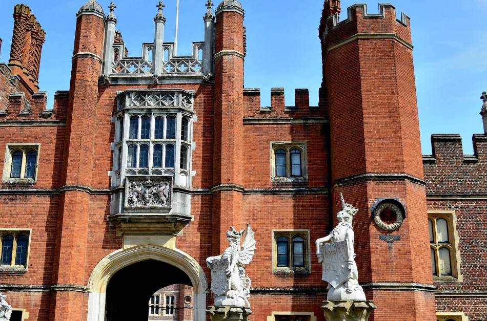 Statues - Hampton Court