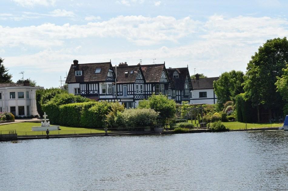 Large Tudor - River - Windsor