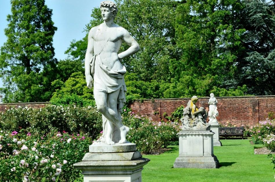 Statues - Hampton Court