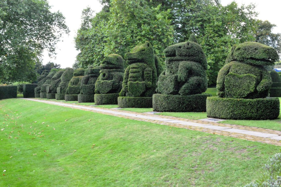 The Queen's Beasts - Topiary