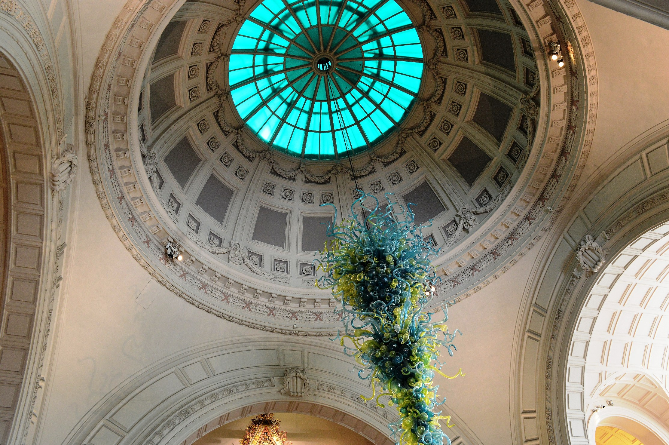 Museum Entry Foyer : Victoria and albert museum picture this uk