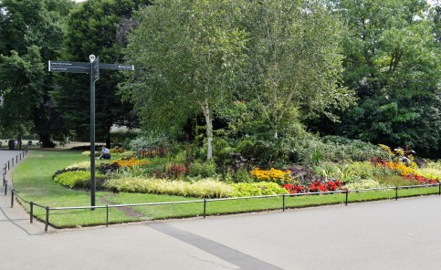 Queen Mary's Gardens - Flower Beds 1