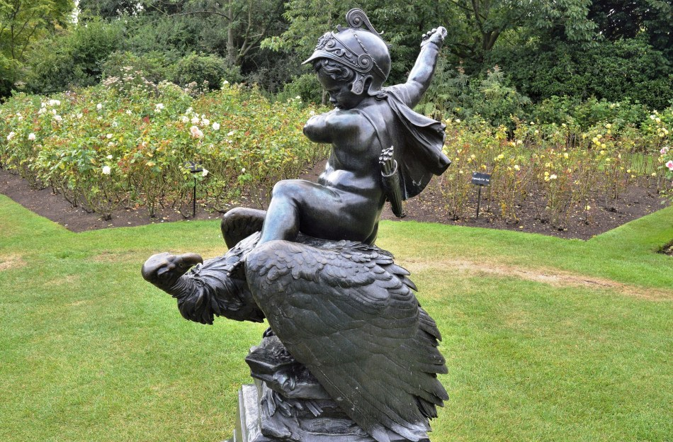 Queen Mary's Gardens - Statue 2