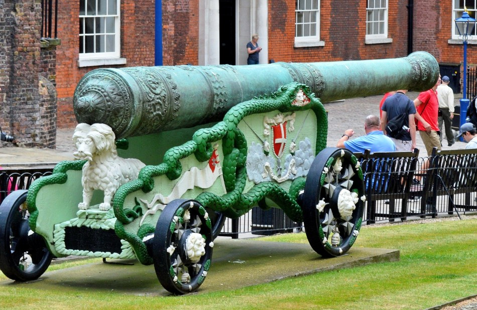 Tower of London - Cannon