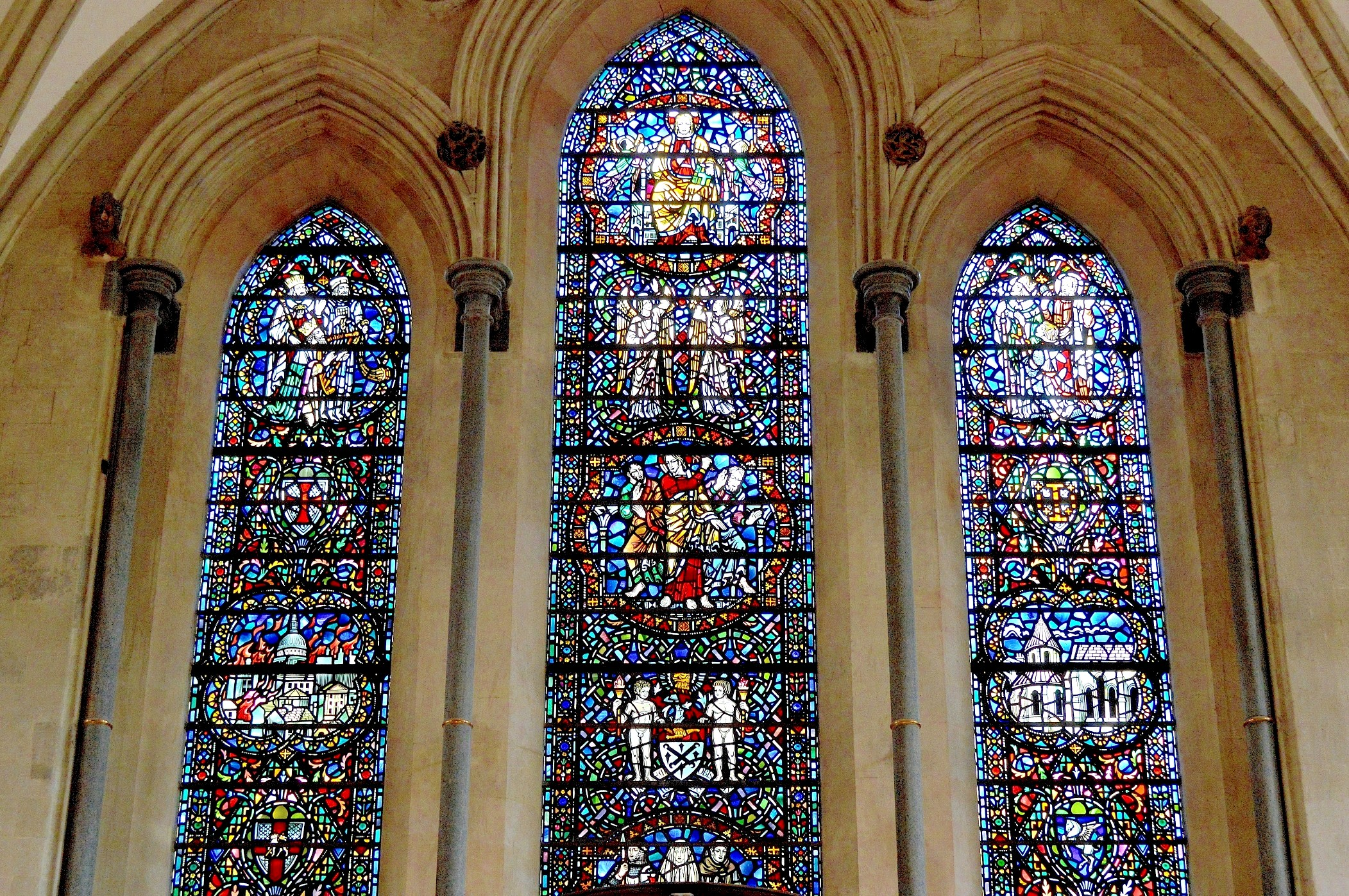 Church Stained Glass : The temple church picture this uk