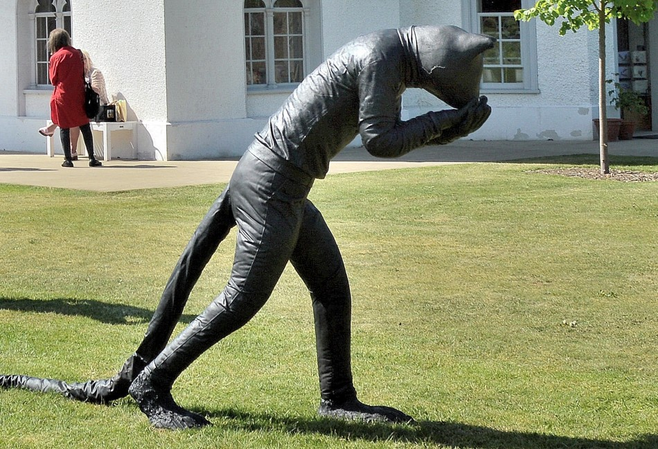 Strawberry Hill House Lawn Figure