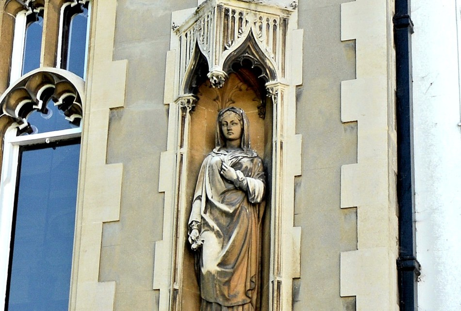 Strawberry Hill House Statue
