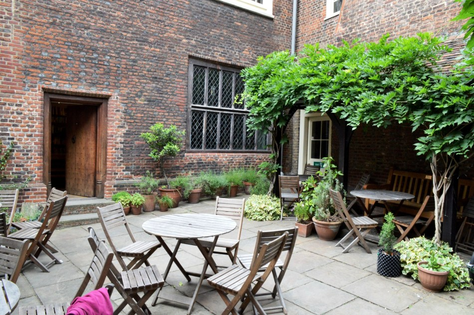 Sutton House Courtyard Seating