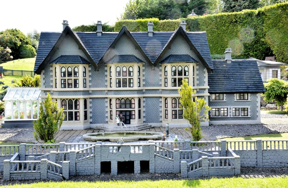 Bekonscot Model Village Mansion