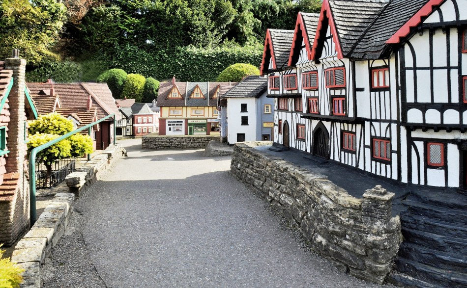 Bekonscot Model Village Street