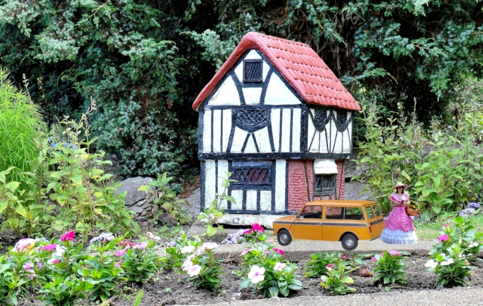 Vauxhall Park Model Cottage