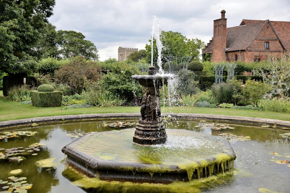 Hatfield House,Fountain
