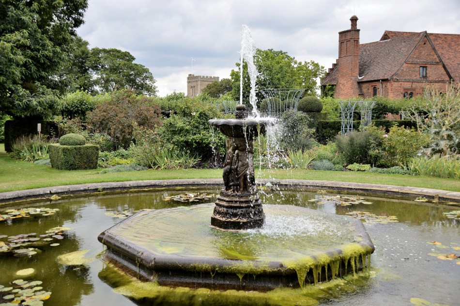 Hatfield House,Fountain