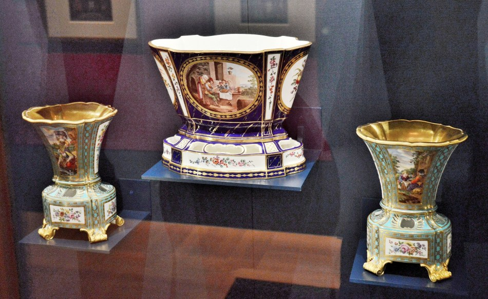 The Queens Gallery Porcelain 1