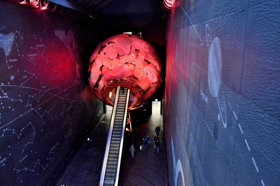 Elevator into Vulcanic World at the Natural History Museum