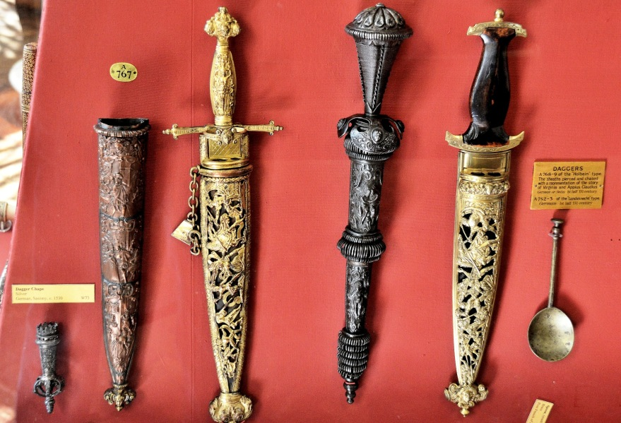 Wallace Collection Armoury Ornate Daggers