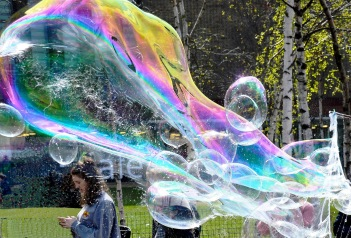 Bubbles on London's South Bank DSC_3107