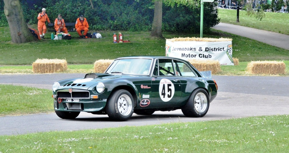Crystal Palace Motorsport 2016 Race Cars MGB GT V8