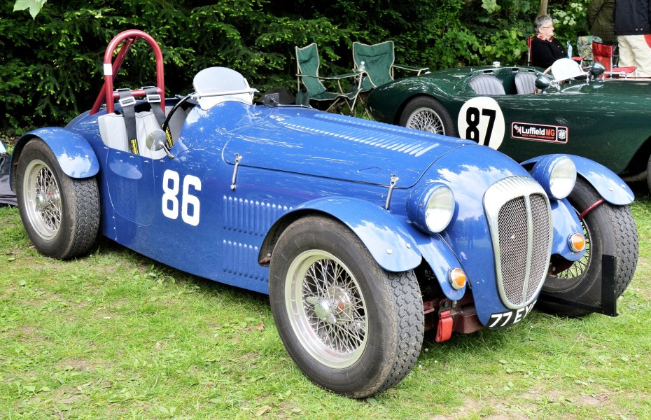 Crystal Palace Motorsport Classic Cars 2016 Daimler SP250 Special