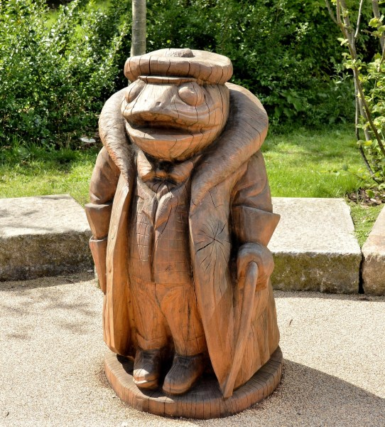 Toad Sculpture outside Nature View Apartments at Woodberry Wetlands