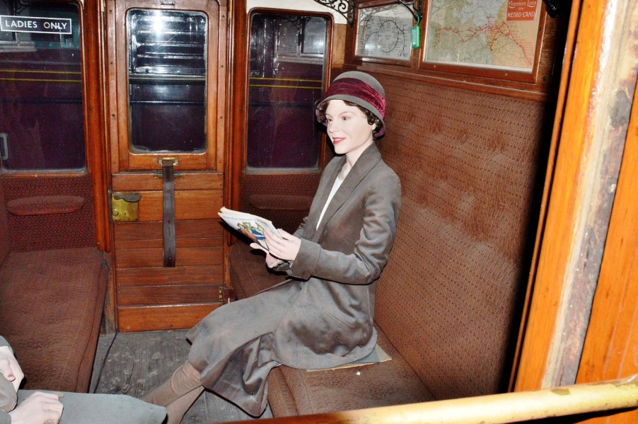 London Transport Museum Train Carriage Interior DSC_4751