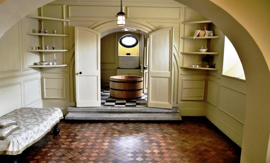 Ham House, Celar Bathroom