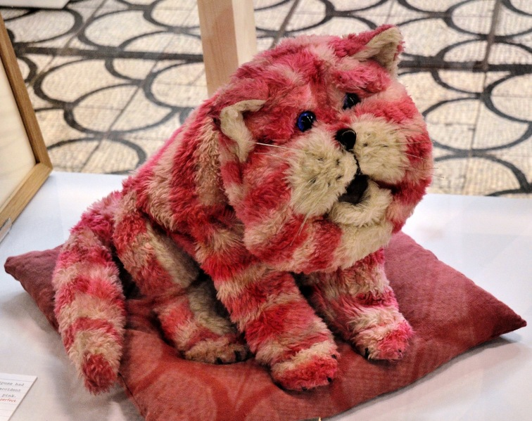 Victoria and Albert Museum of Childhood Bagpus