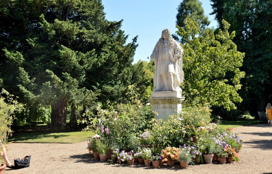 Chelsea Physic Garden Statue of Sir Hans Sloane