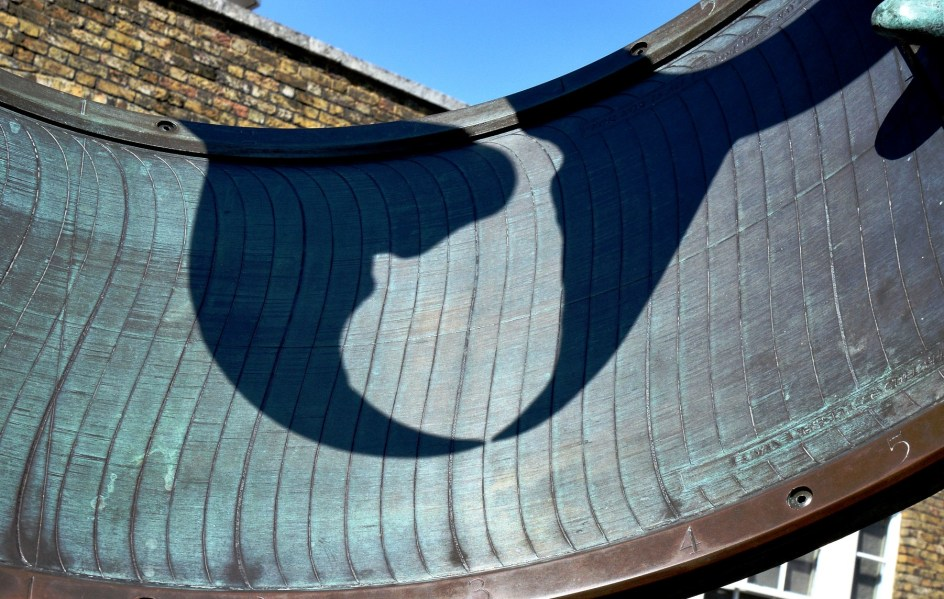 greenwich-royal-observatory-dolphin-sundial-dsc_6912