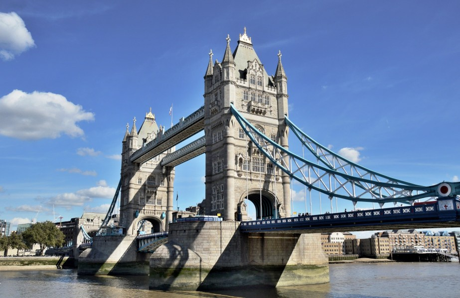 tower-bridge-south