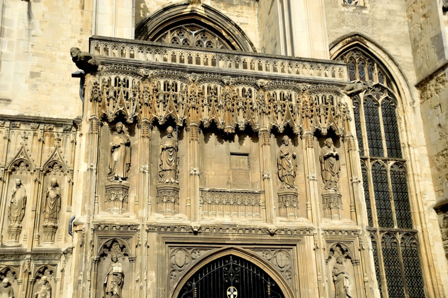 canterbury-cathedral-entrance