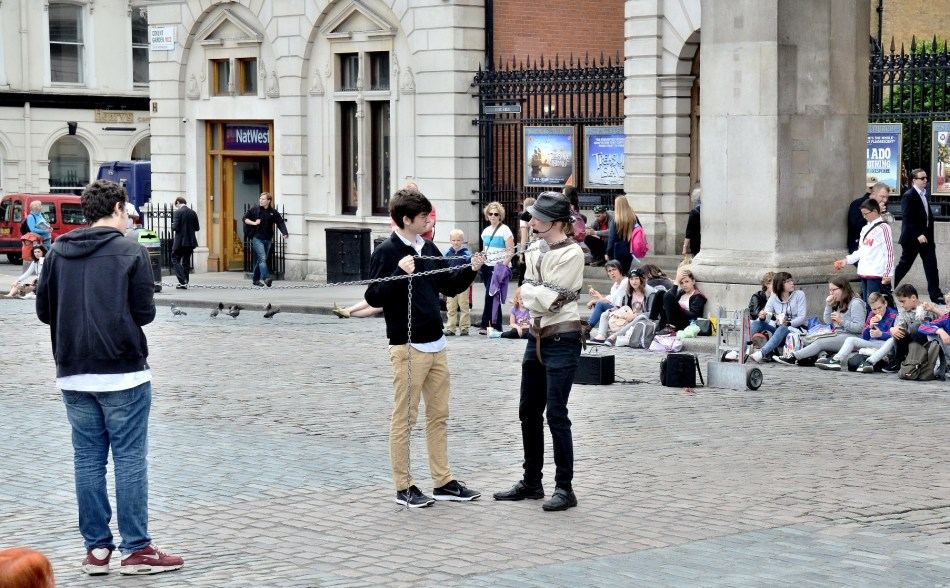 covent-garden-escape-artist