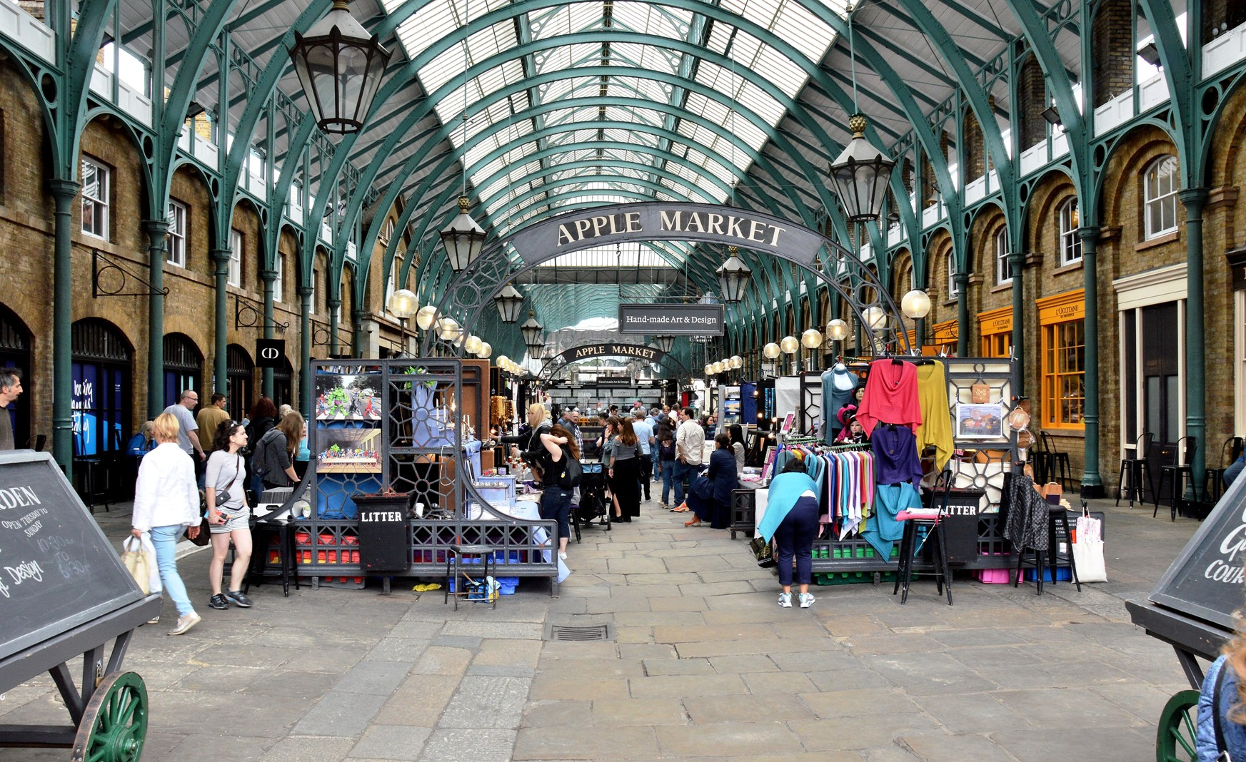 Covent garden fashion market Best Fashion Blogs: 39 of the Bloggers to Know Now Who What Wear