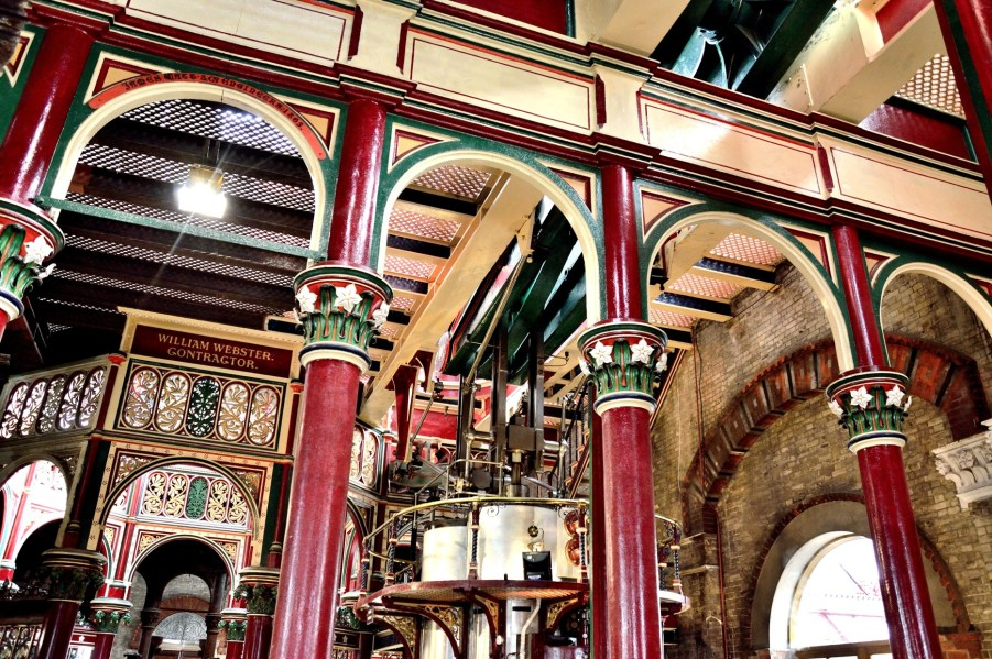 crossness-pumping-station-ornate-ironwork-dsc_7556