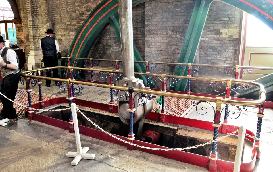crossness-pumping-wheel