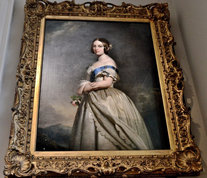 painting-of-queen-victoria-in-the-queens-house-at-greenwich