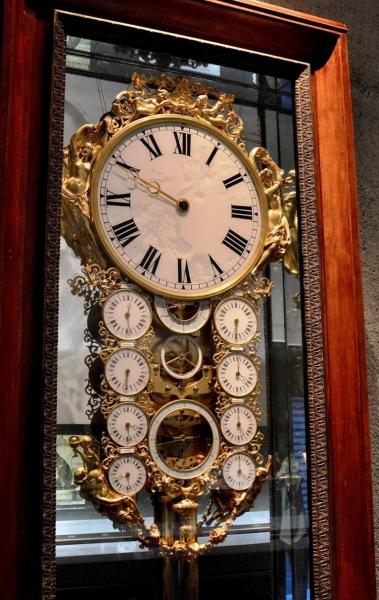 museum-of-london-clock