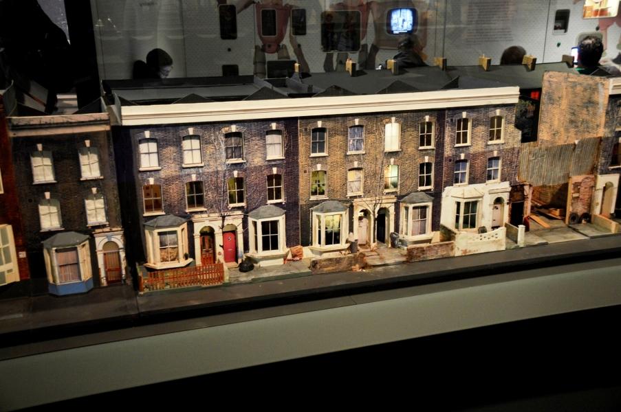 museum-of-london-street-model