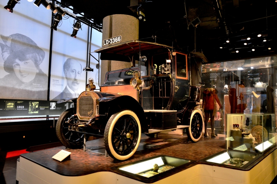 museum-of-london-taxi