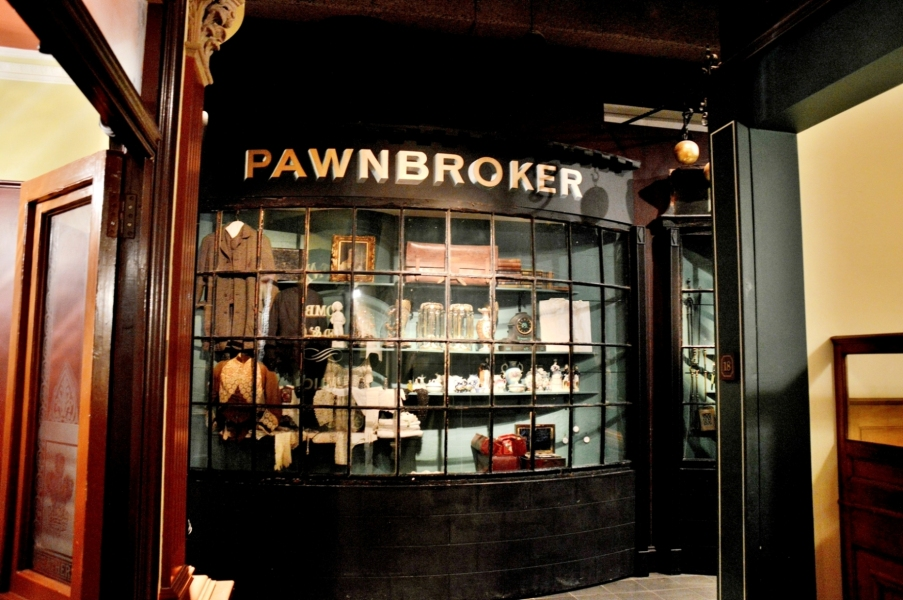 museum-of-london-victorian-pawnbrokers