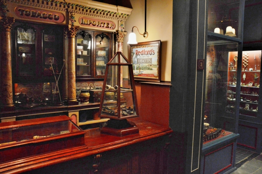 museum-of-london-victorian-tobacconist
