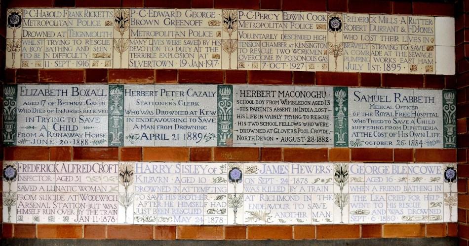 postmans-park-plaques-3
