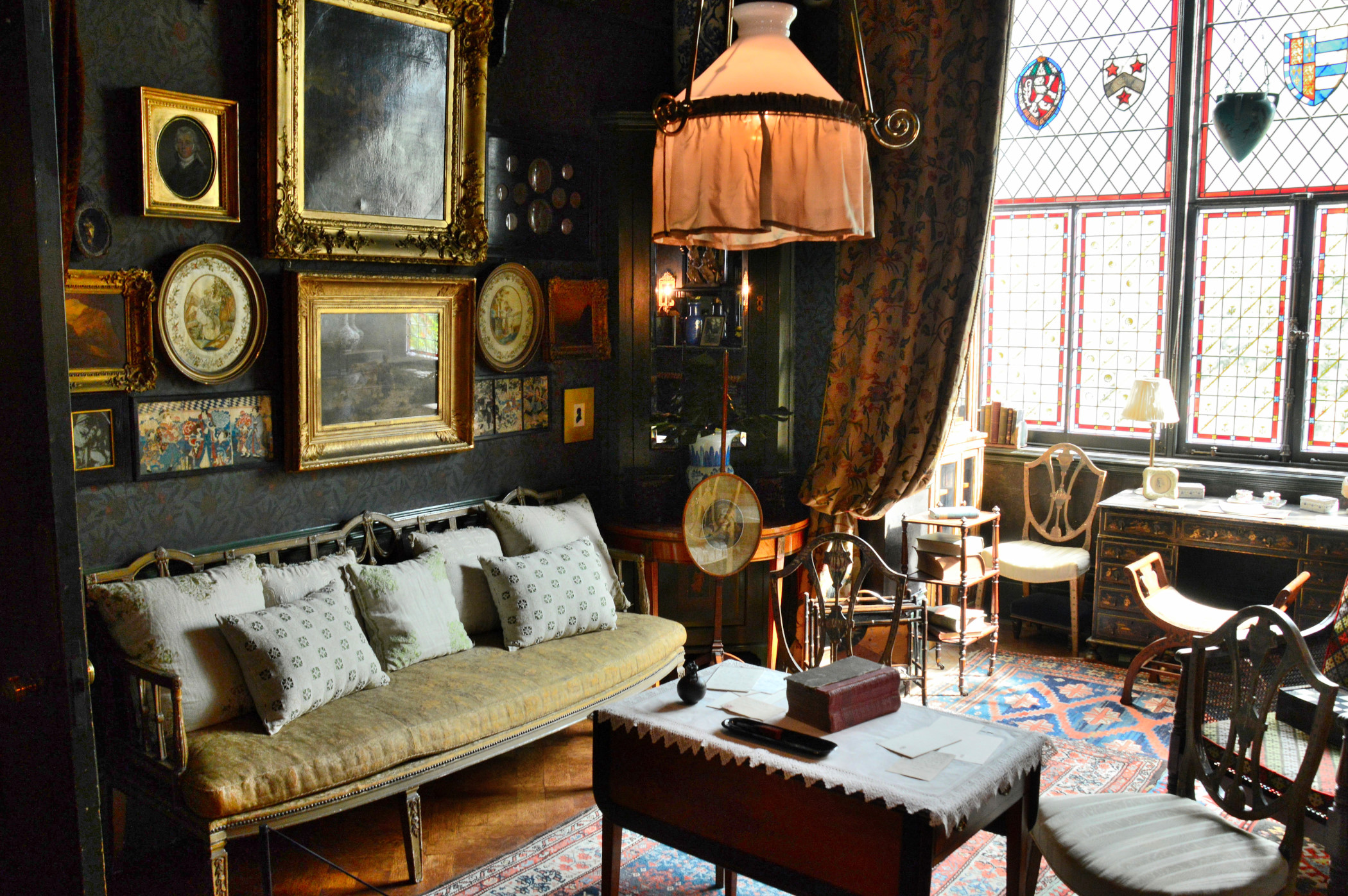 Victoriana at 18 stafford terrace and the sambournes for 18 stafford terrace london